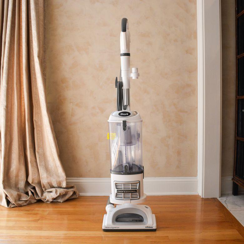 shark navigator upright vacuum cleaner