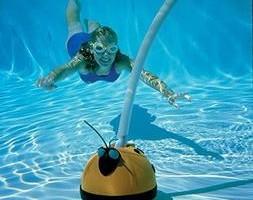 Hayward 500 Aqua Bug pool cleaner